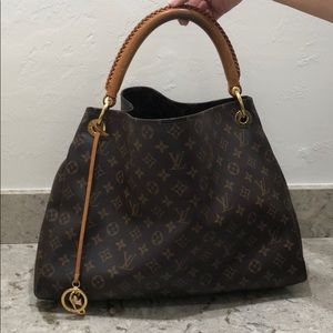 Louis Vuitton Artsy Monogram Hamdbag